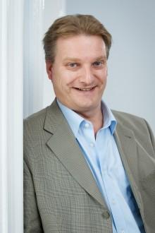 Dr Gavin Davies - Council Member
